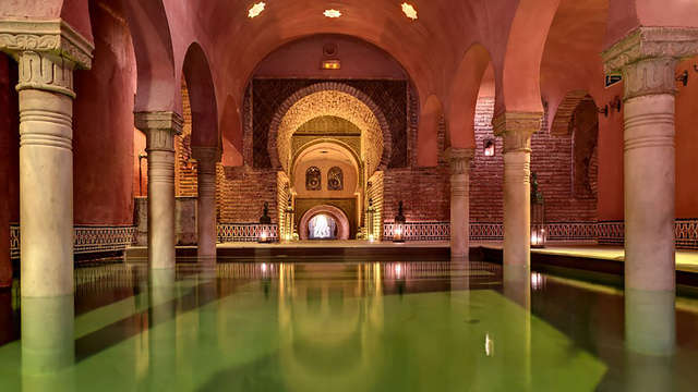 Mini vacaciones 3x2: Granada de lujo con entradas al Hammam al Andalus incluidas