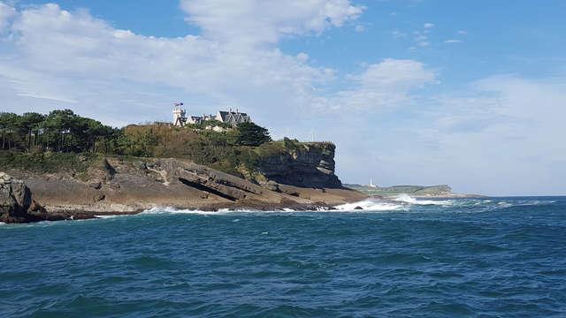 Disfruta de Cantabria en pareja con esta escapada con crucero en barco