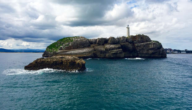 Escapada con crucero por la bahía de Santander y desayuno incluido