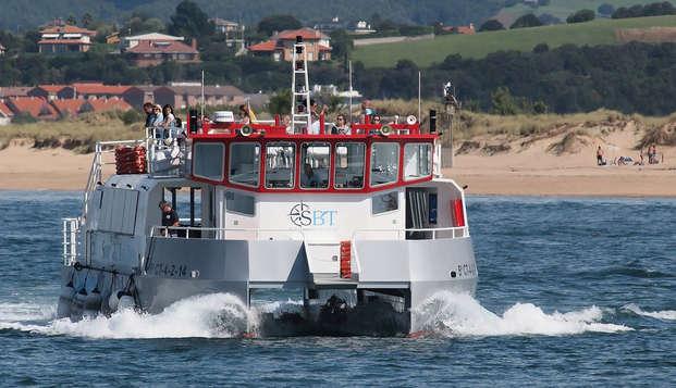 Escapada frente a la Playa del Sardinero con crucero por la Bahía de Santander y cava