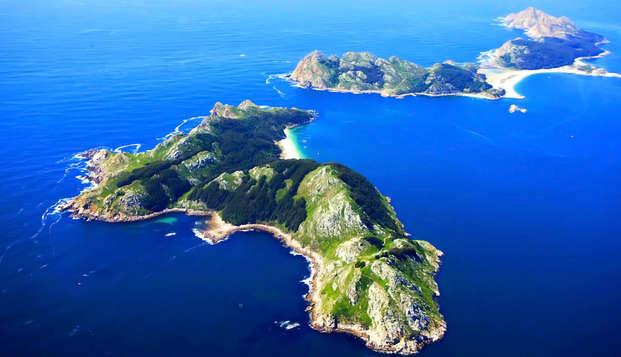 Escapada en O Grove con entrada al casino de La Toja y Crucero en barco a las Islas Cíes