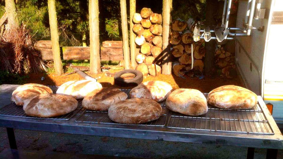 De Stokerij Hotel - EDIT_bread.jpg