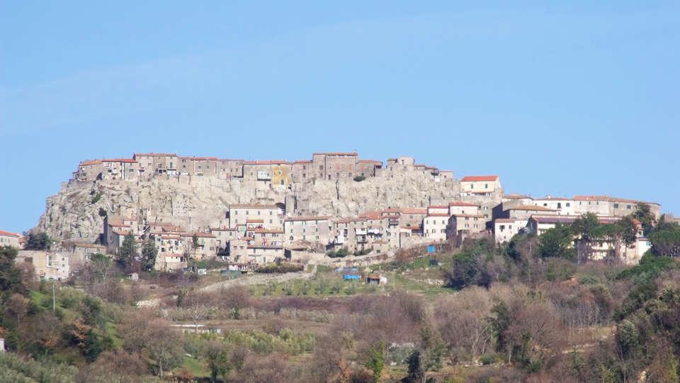 Hotel Residence Sant'Uberto - edit_RoccastradaPanorama1.jpg