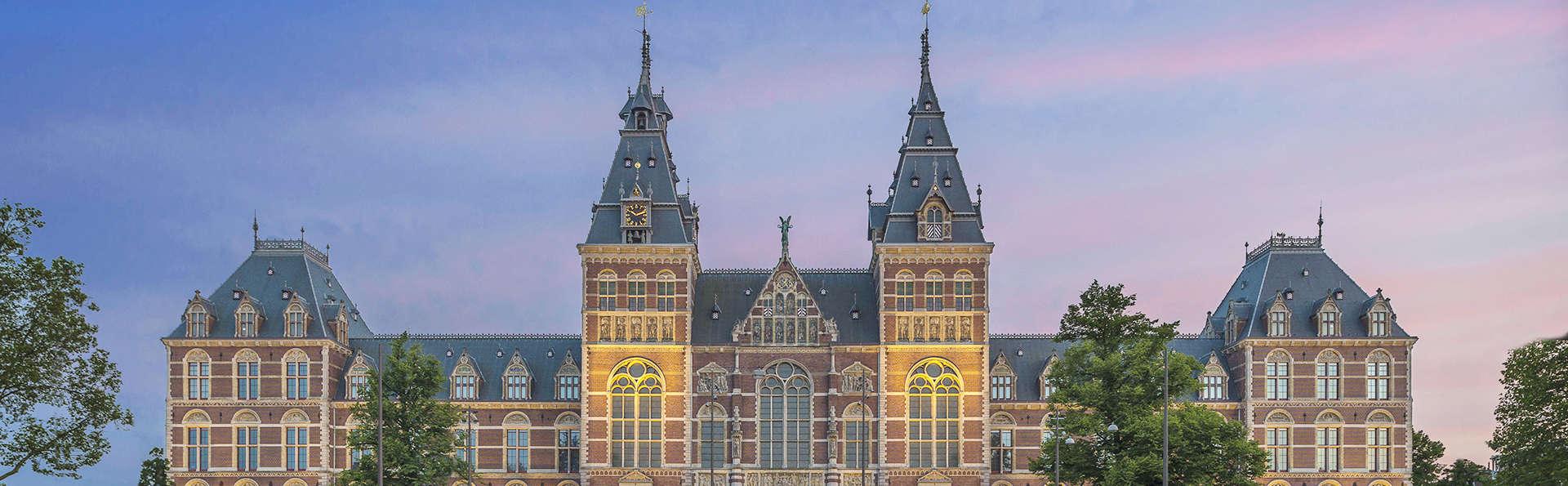 Découverte des villes d'Amsterdam et de Zaandam, croisière sur le canal et visite du Rijksmuseum