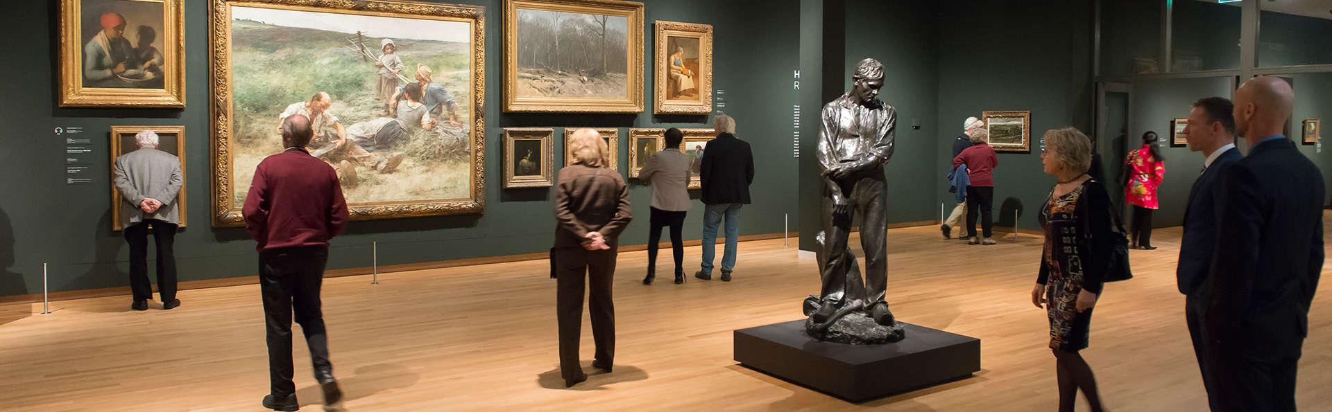 Hotel de lujo y acceso al Museo Van Gogh en Ámsterdam