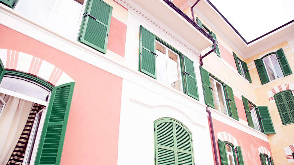 Ch Hotel Del Golfo - Edit_Front.jpg