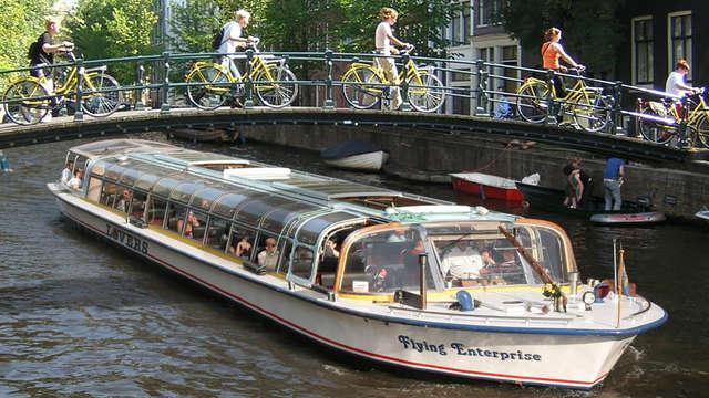Hotel 3* en Ámsterdam y paseo en barco por los canales de la ciudad