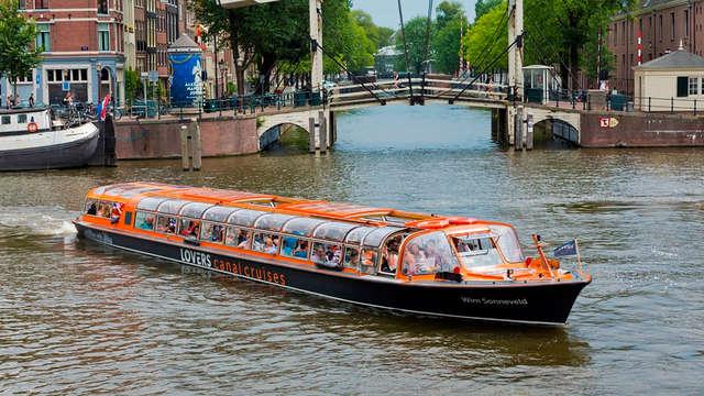 Hotel de diseño y paseo por los canales de Ámsterdam