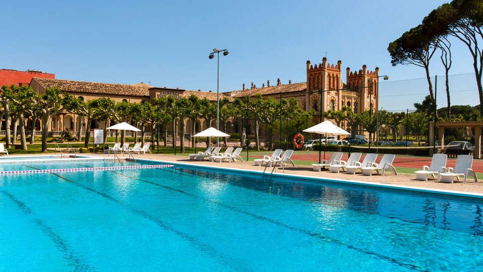Hotel Balneari Vichy Catalan - EDIT_poolX.jpg