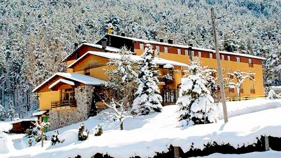 Hotel Roc Blanc - La Molina - Edit_Front3.jpg