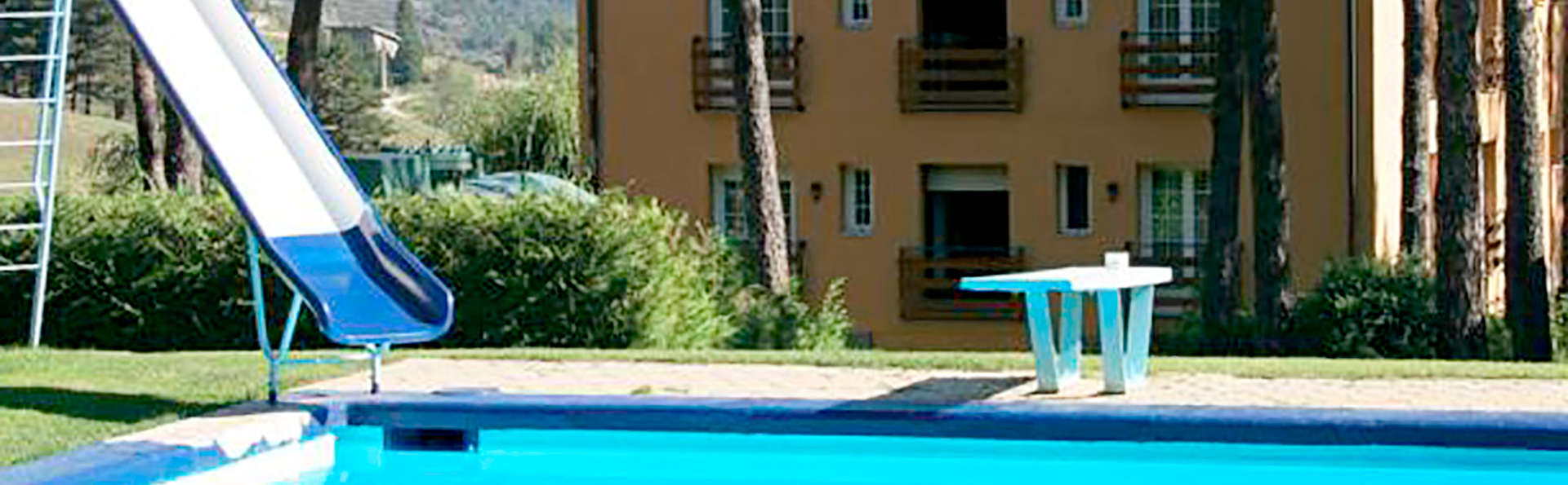Hotel Roc Blanc - La Molina - Edit_Pool2.jpg
