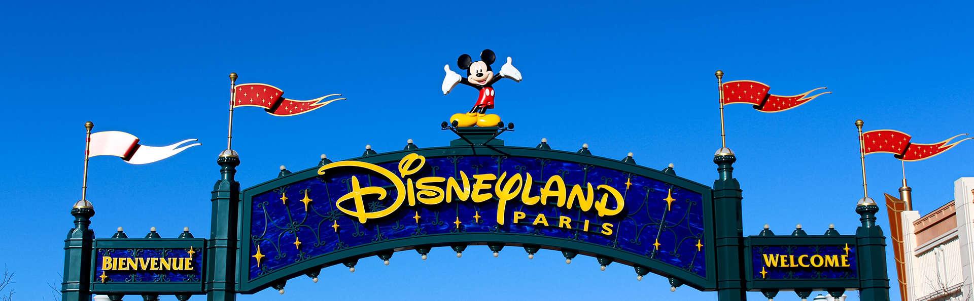 Week-end détente en famille avec entrée aux 2 Parcs Disneyland® Paris (1 Jour / 2 Parcs)