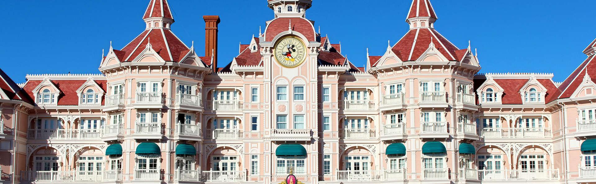 Détente et féérie avec entrée aux parcs Disneyland® (1 Jour / 2 Parcs)