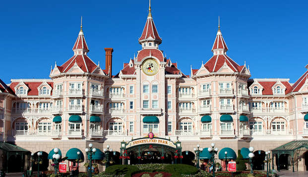 Weekend détente et magique avec entrée à Disneyland® Paris (1 jour / 2 Parcs)