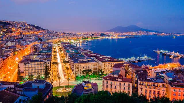 Découvrez Naples, en hôtel 4 étoiles situé au centre-ville, avec chambre double Supérieure