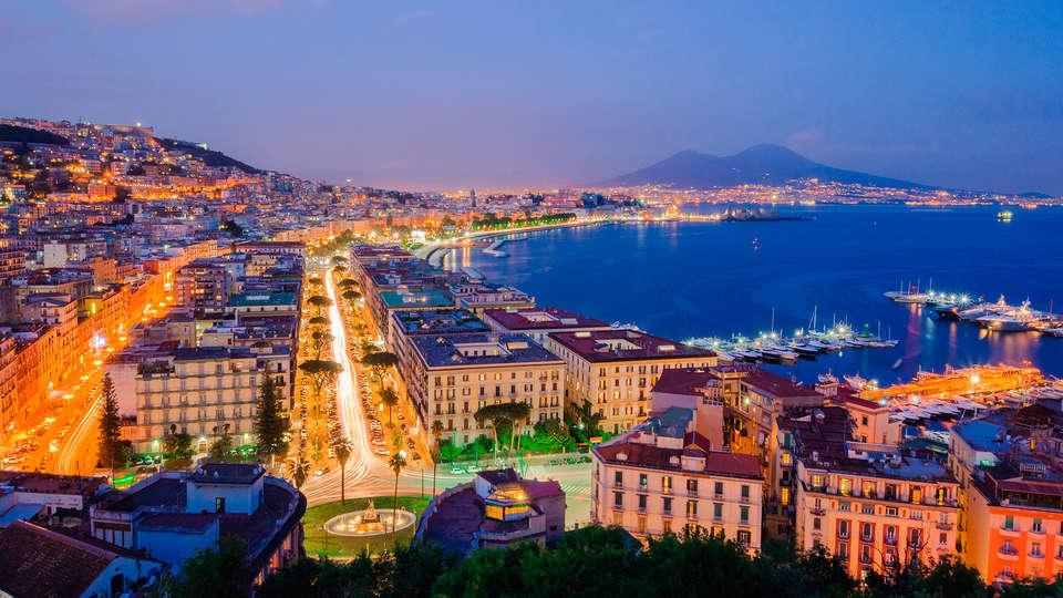 Ramada Naples - Edit_Napoles4.jpg