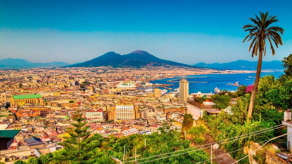 Ramada Naples - Edti_Napoles.jpg