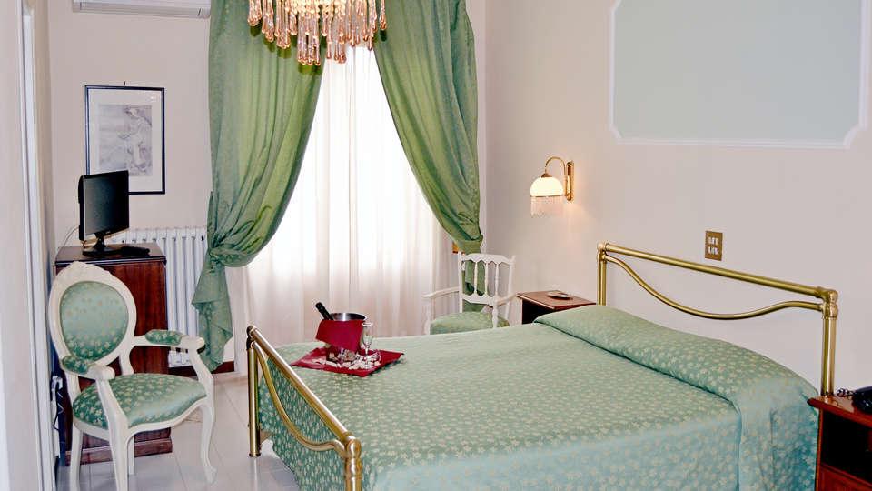 Hotel Park Ge. Al. - Edit_Room2.jpg