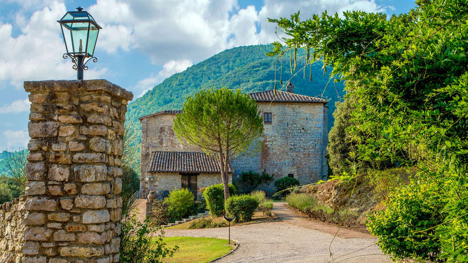 Castello Valenzino - Edit_Front6.jpg