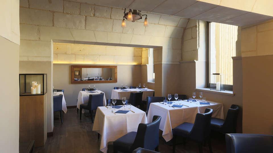 Domaine de Roiffé - edit_Restaurant2.jpg