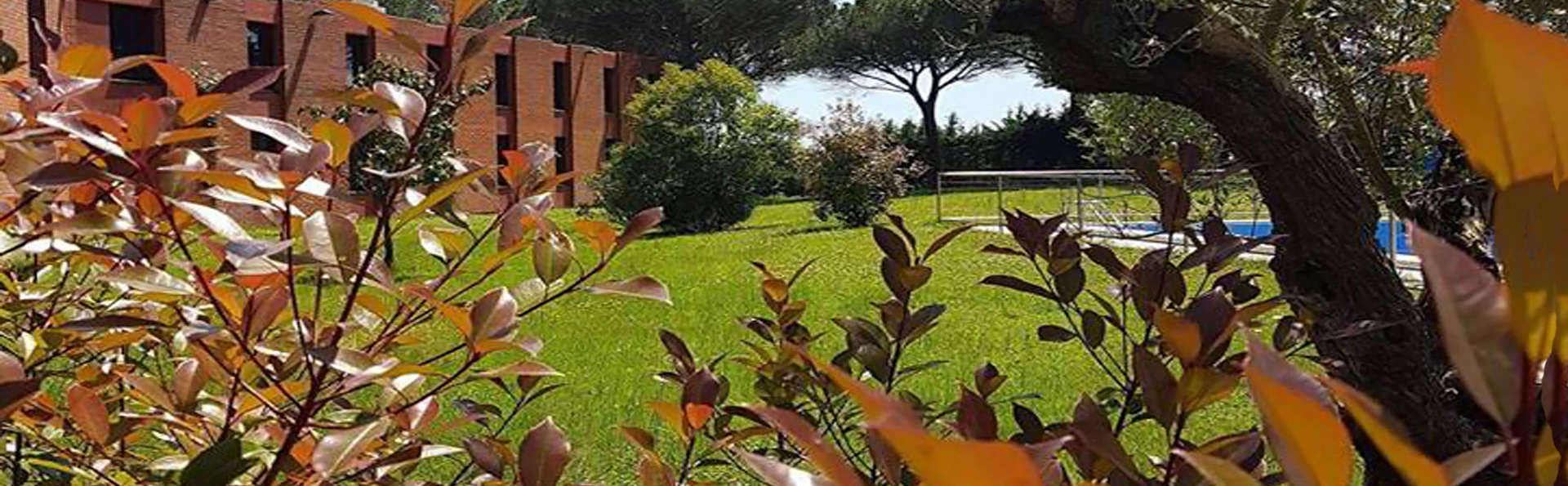 Hotel Eden Park - EDIT_garden.jpg