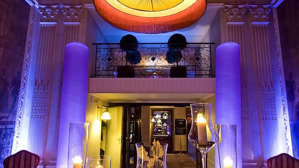 Hotel Barsey by Warwick - edit_entrance2.jpg