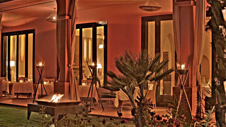 Domaine des Remparts - edit_terrace.jpg