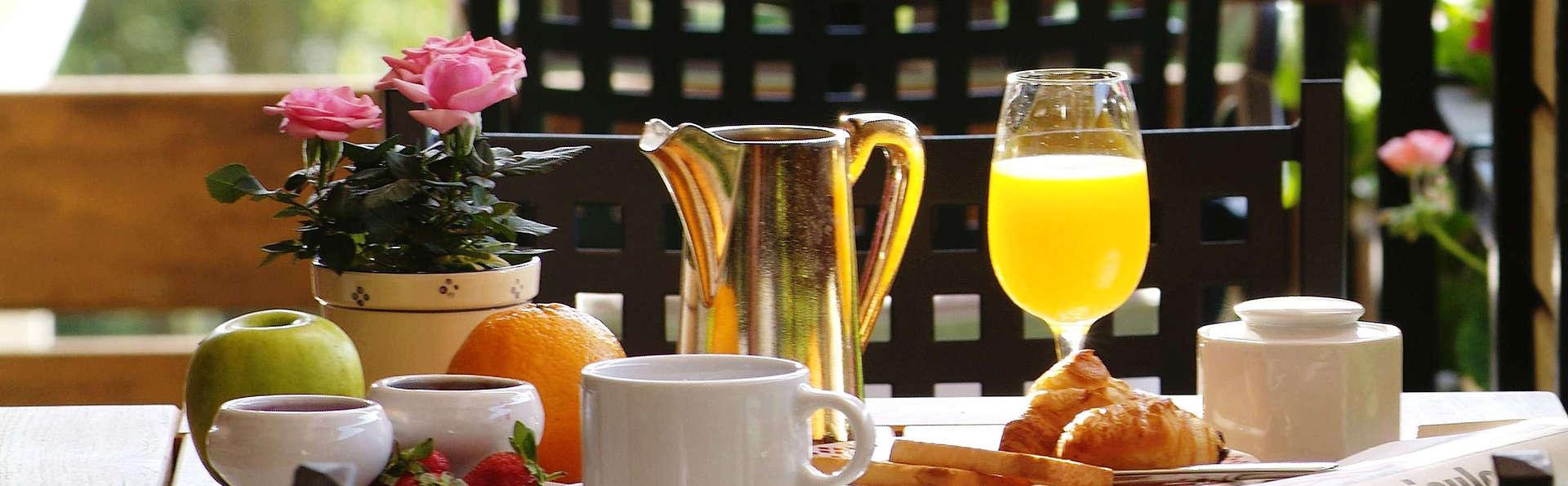Jenny - edit_breakfast.jpg