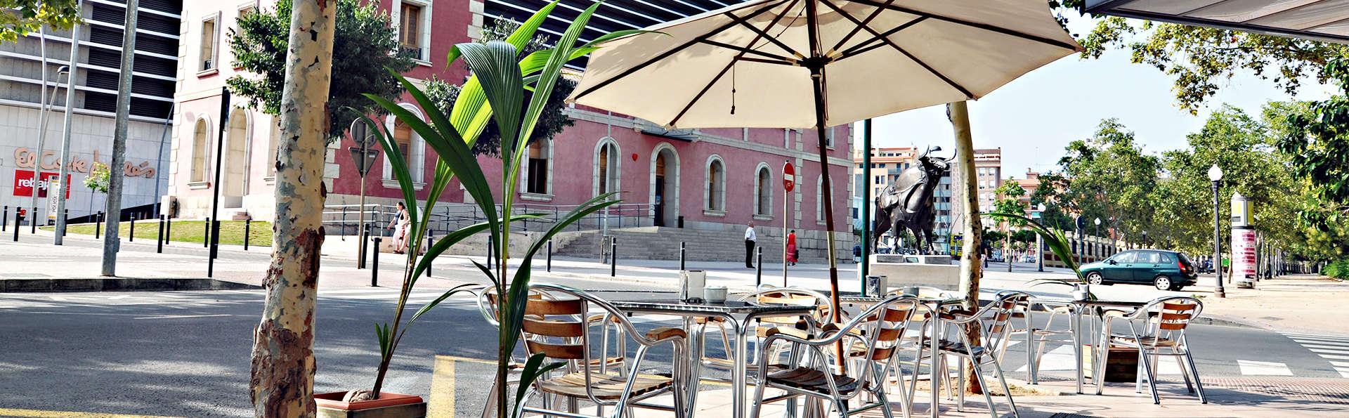 Hotel Doña Lola - EDIT_terraza.jpg