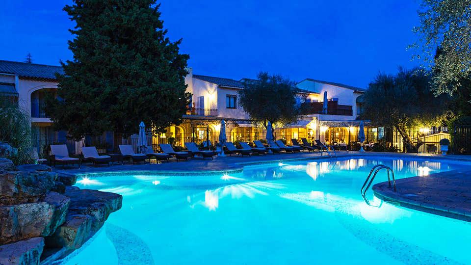 Hôtel Spa la Lune de Mougins - EDIT_poolnight.jpg
