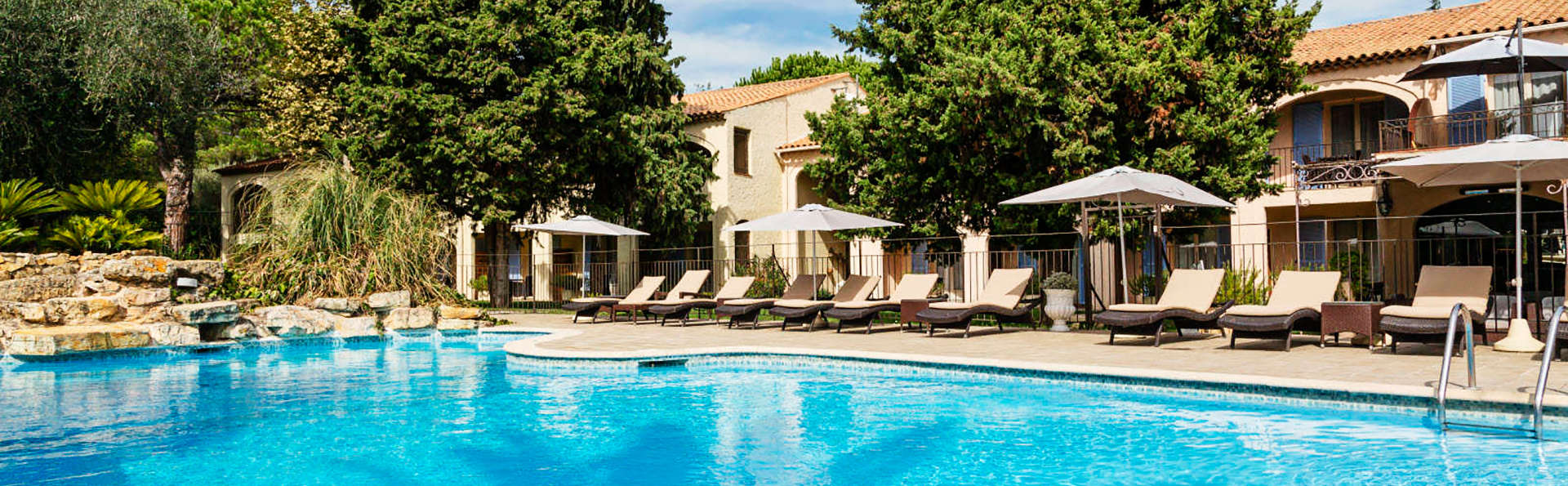 Hôtel Spa la Lune de Mougins - EDIT_pool3.jpg