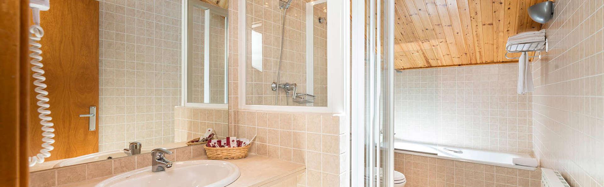 Guitart La Molina Aparthotel & Spa - edit_bathroom.jpg