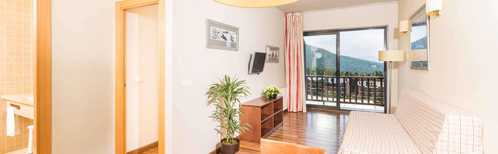 Guitart La Molina Aparthotel & Spa - edit_livingroom2.jpg