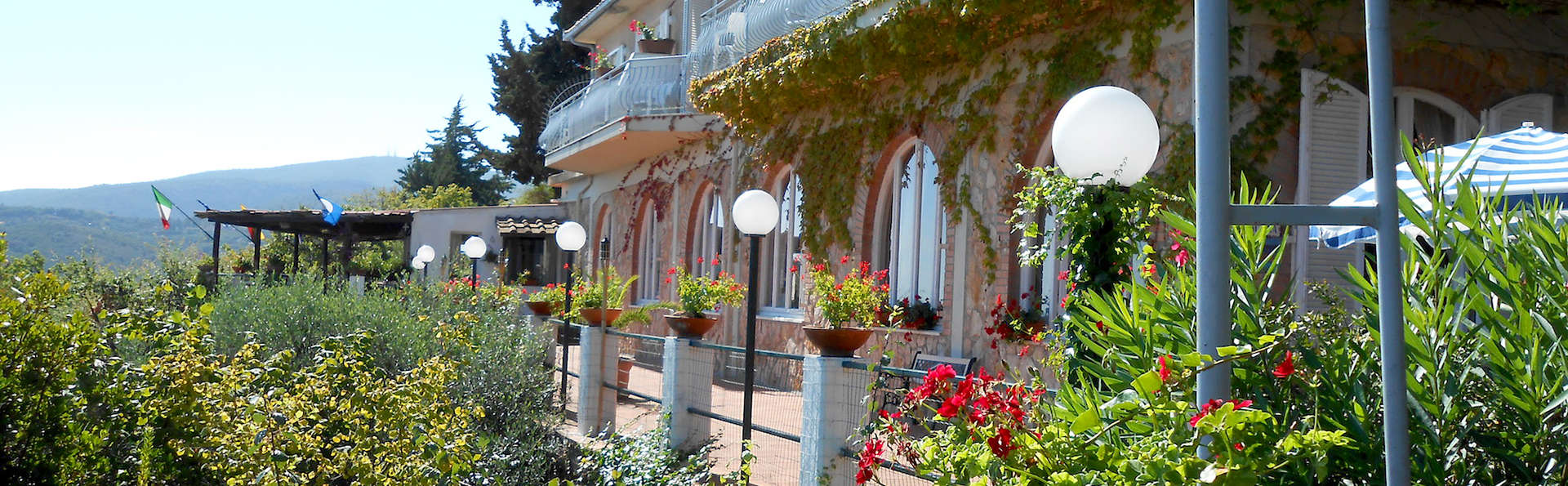 Hotel Vittoria - Edit_Front4.jpg