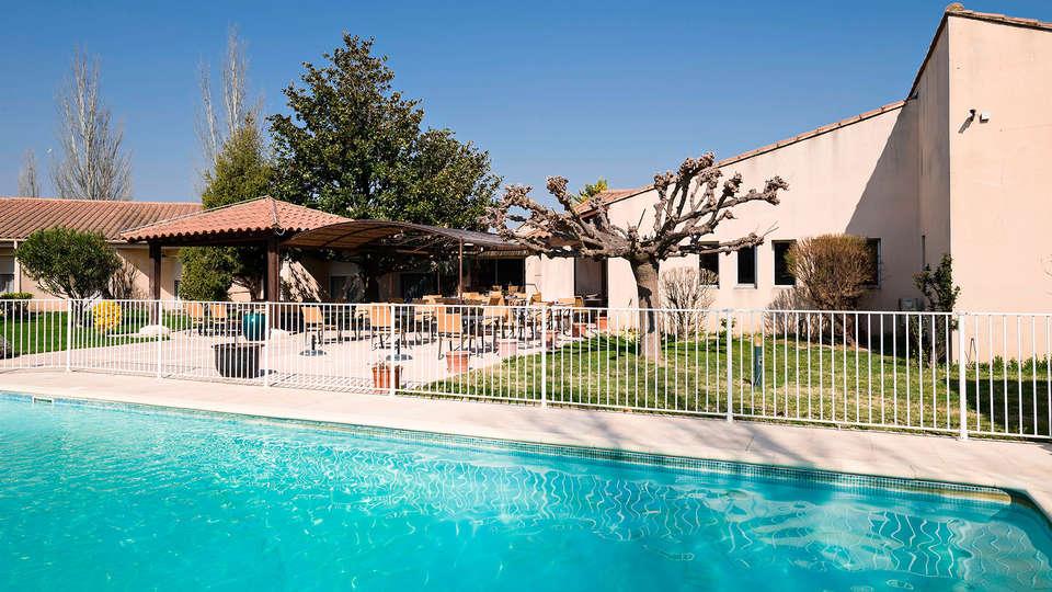 BEST WESTERN Hôtel Le Paradou Avignon Sud - EDIT_pool2.jpg