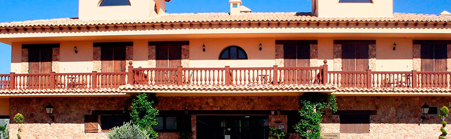 Hotel Rural Los Nogales - EDIT_front.jpg