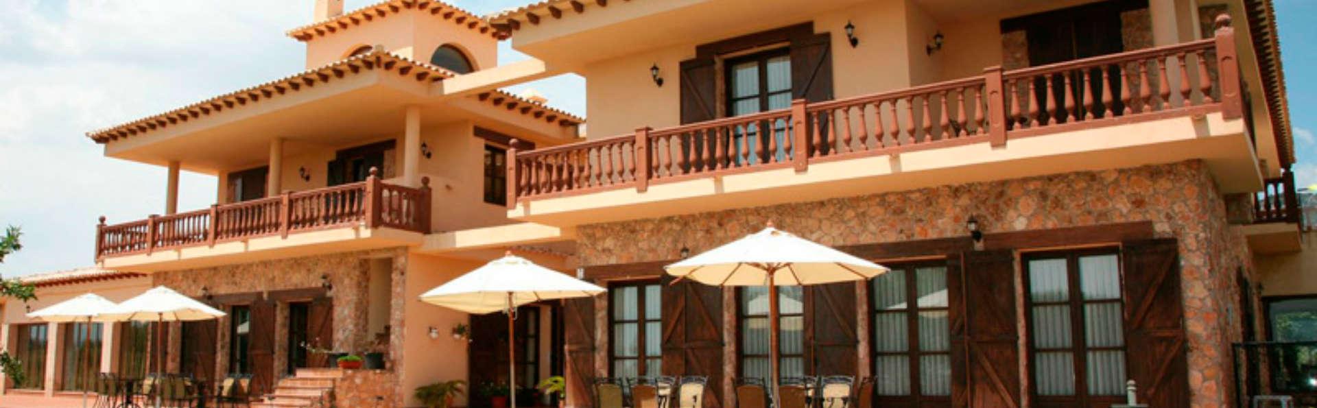 Hotel Rural Los Nogales - EDIT_front1.jpg