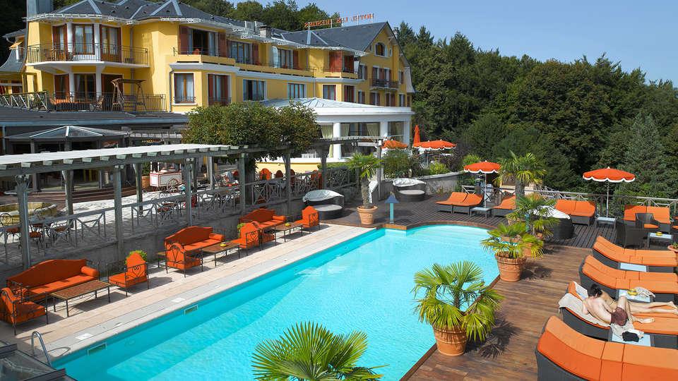 Hôtel les Trésoms Lake and Spa Resort - Annecy - EDIT_frontpool.jpg