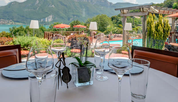 Hotel les Tresoms Lake and Spa Resort - Annecy - resterrace