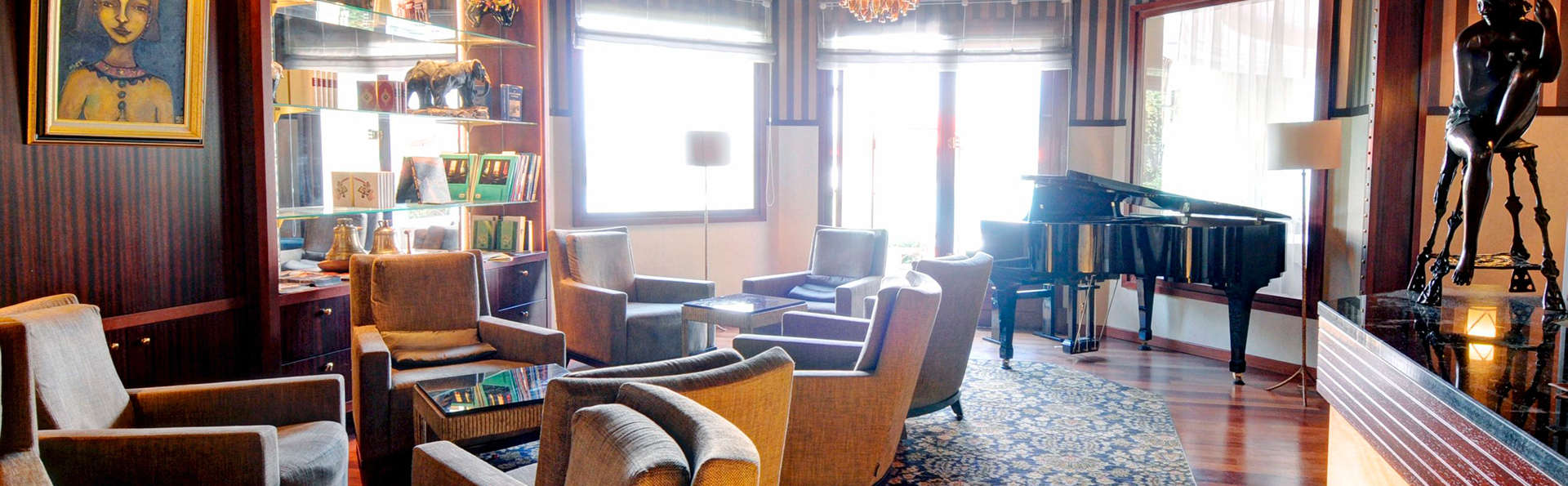Hôtel les Trésoms Lake and Spa Resort - Annecy - EDIT_salon.jpg