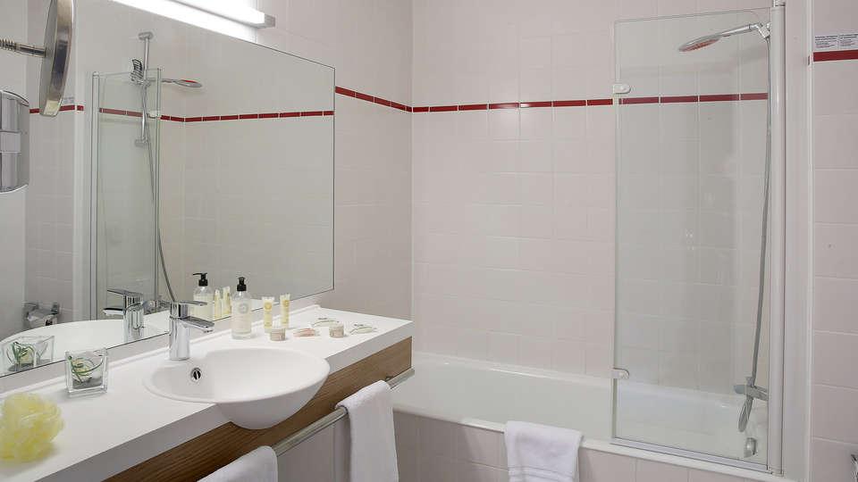 Best Western Les Bains Hotel et SPA  - edit_bathroom2.jpg