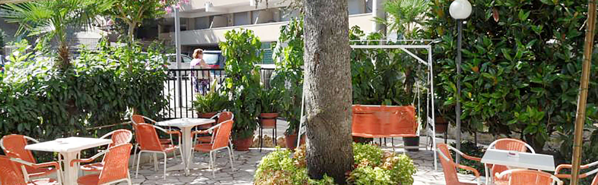 Hotel Prati - Edit_terrace.jpg