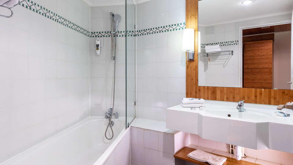 Garrigae Domaine de l'Esterel - EDIT_bath.jpg