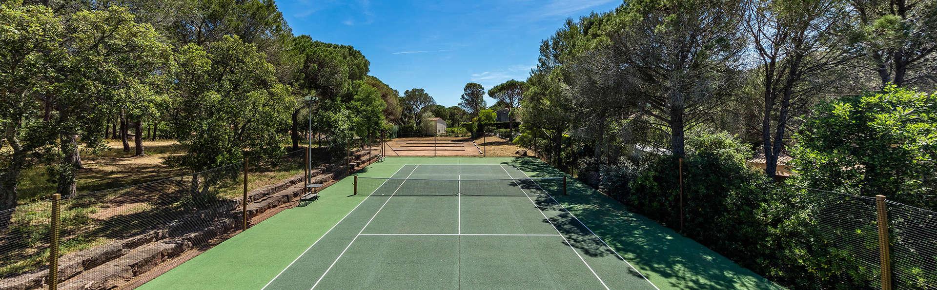 Garrigae Domaine de l'Esterel - EDIT_tennis.jpg