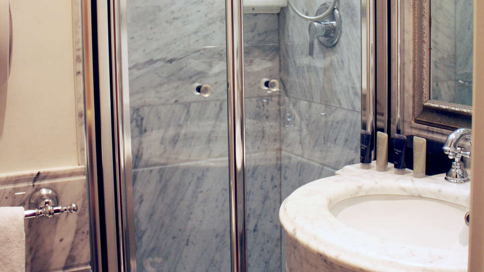 The Bailey's Hotel - Edit_Bath3.jpg