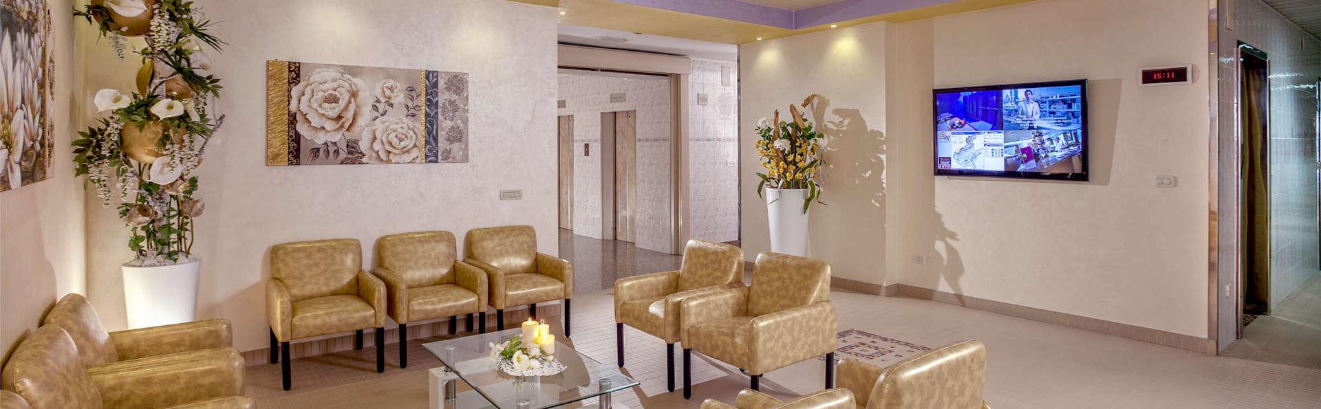 Hotel Savoia Thermae & Spa - Edit_Lobby.jpg