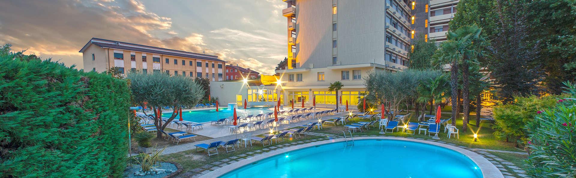 Hotel Savoia Thermae & Spa - Edit_Pool.jpg