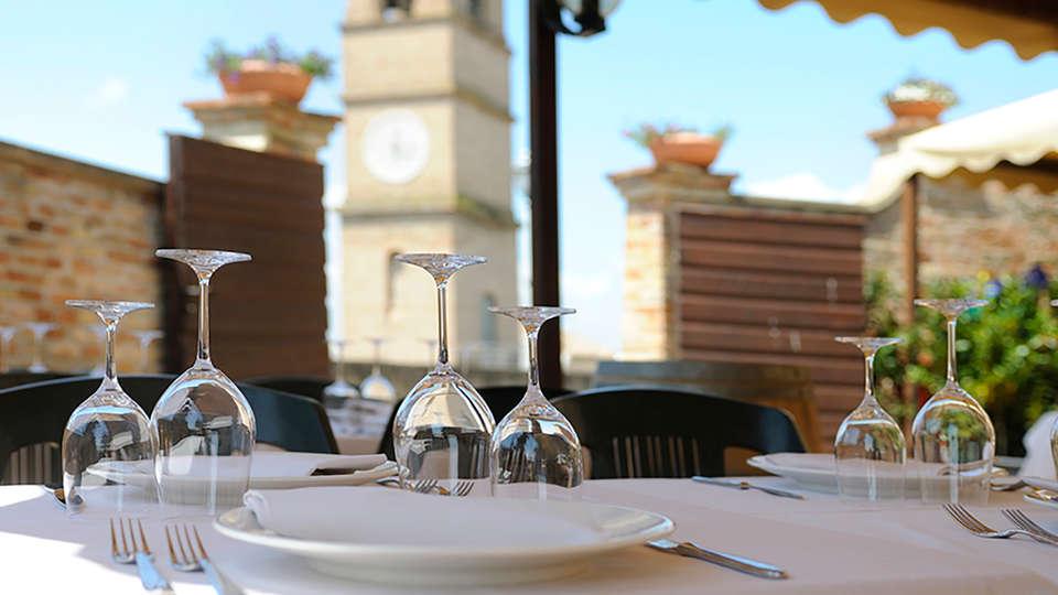 Albergo Diffuso Borgo Montemaggiore - EDIT_terrace.jpg