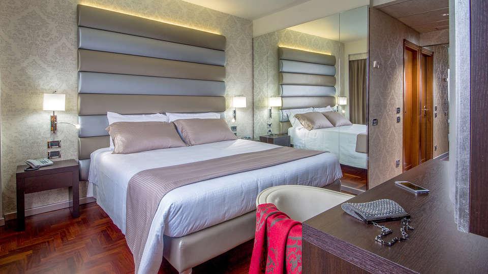 Enea Hotel - Edit_Room6.jpg