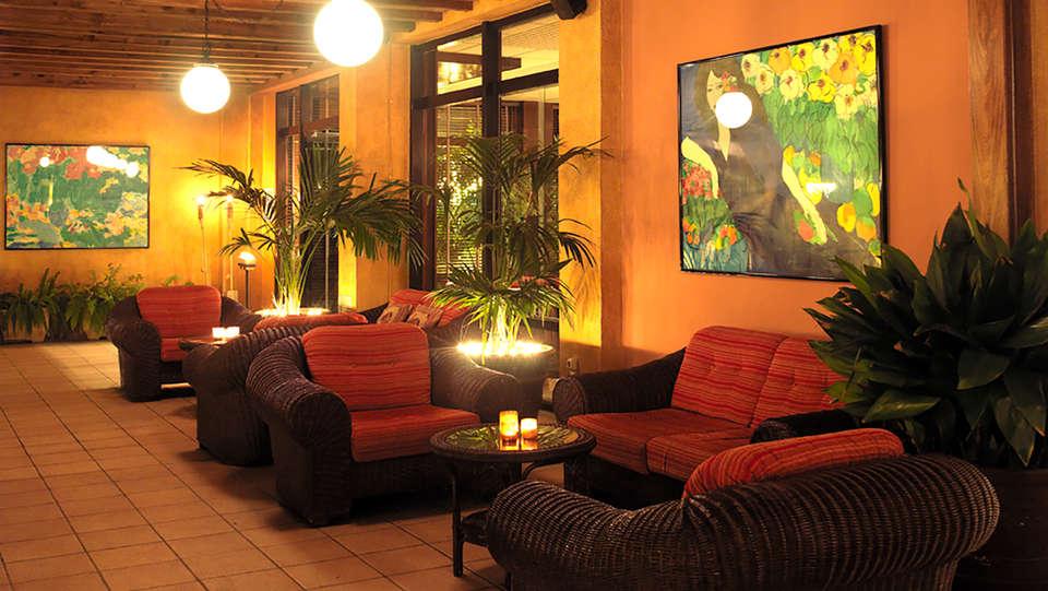 Hotel Luna Club - Edit_Chill.jpg